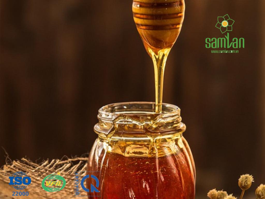 Bảo quản mật ong hiệu quả với chai lọ thủy tinh và màng seal
